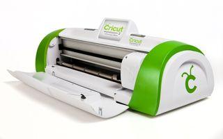 Cricut Machine: Intro to Cricut Vinyl Projects | WNIJ and WNIU
